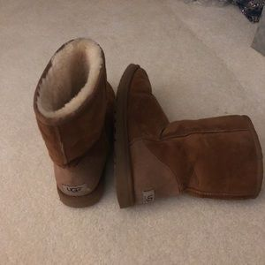 Classic short Ugg boot